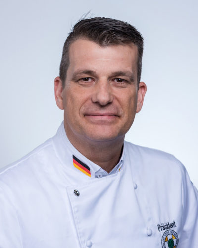 Andreas Becker [2]
