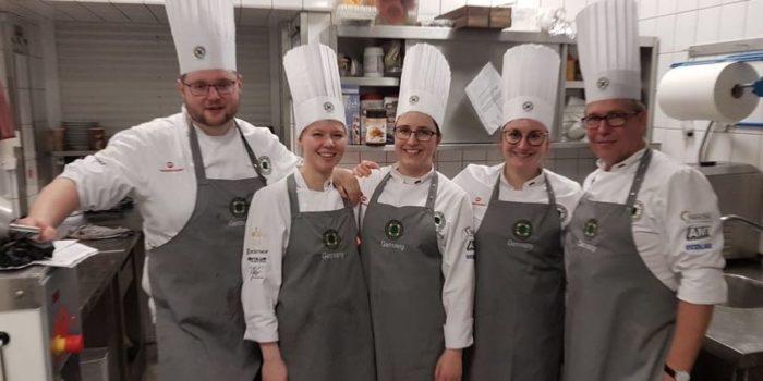 Junior Team kocht für eine gute Sache