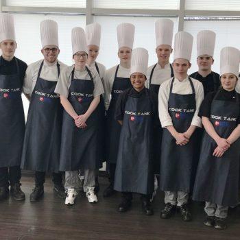 Elf Teilnehmer aus Hannover, Hamburg und Cuxhaven nahmen Anfang April am COOK TANK 2018, Jugendcamp des Landesverbands Niedersachsen, teil.