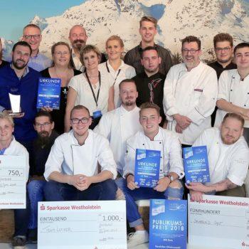 Siegerteams und Jury im Finale der Friesenkrone Matjesmeisterschaft 2018. Foto: Friesenkrone