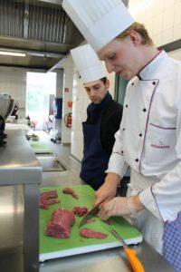 Auf dem Programm standen verschiedene Gerichte und Zubereitungen von hochwertigem Rindfleisch. Foto: Köcheclub Münsterland e.V.
