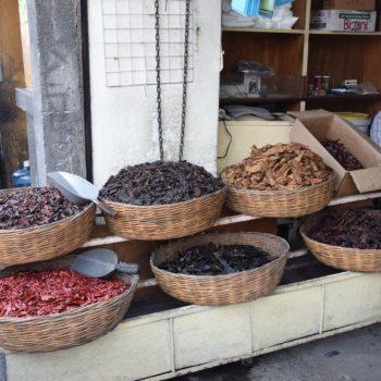 Getrocknet haben Chilis oft einen anderen Namen als frisch. Foto: Privat