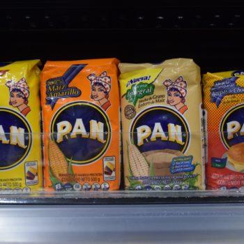In Kolumbien legendär: Aus dem Mehl der Firma Harina P.A.N. kann man Maisfladen herstellen. Foto: Privat