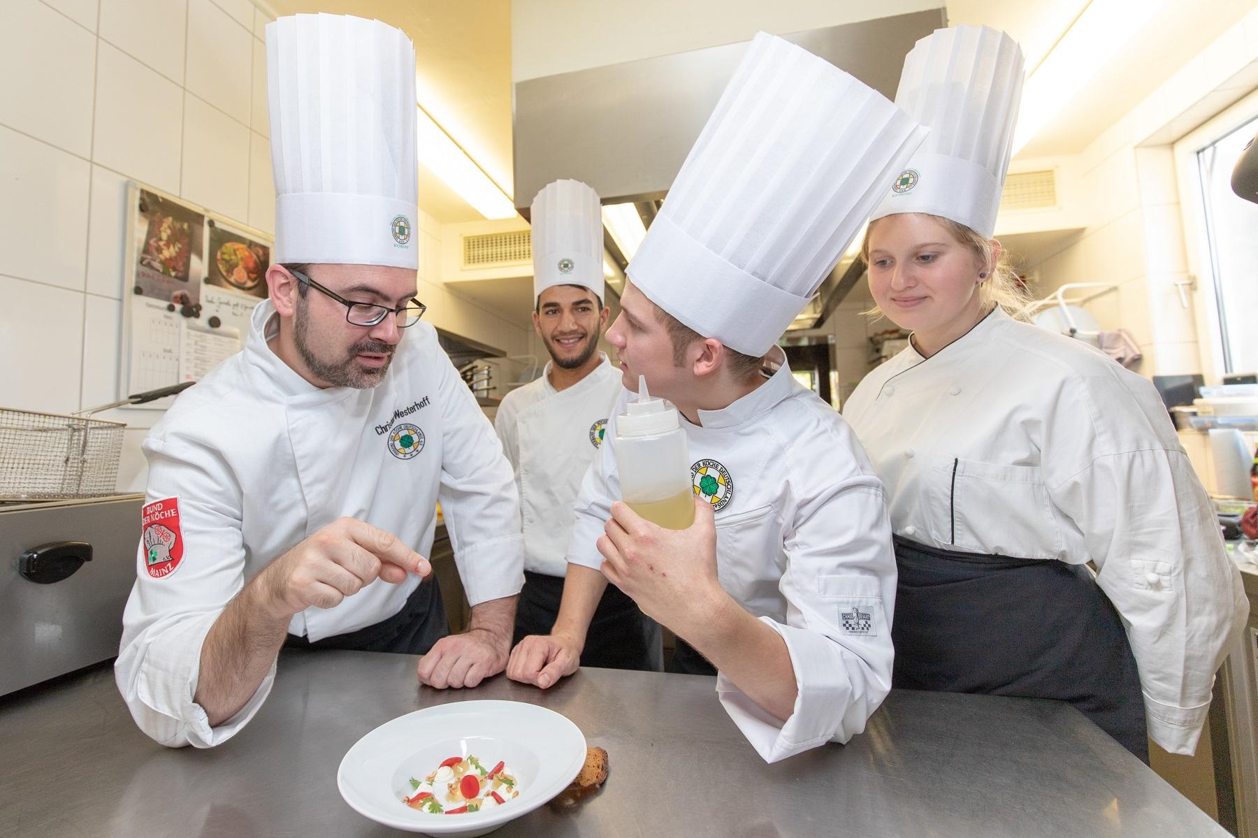 Der VKD zeichnet Betriebe aus, die sich besonders für die Ausbildung des Köche-Nachwuchs einsetzen. Sie erhalten das Siegel