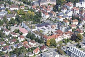 Von oben: 1937 gegründet uns seit 1963 in der Zähringerstraße zu Hause. Foto: Landesberufsschule VIllingen-Schwenningen