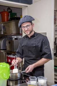 Sebastian Knuppertz konnte mit seinen mystischen Dessert-Kreationen überzeugen. Foto: HUG
