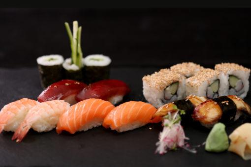 Sushi, Tempura, Dim Sum, Asiatische Snacks und Dips