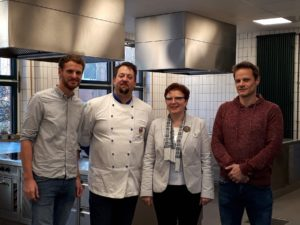 Engagiertes Lehrerteam im Bereich Küche (v. l.): Markus Jaeger, Ulf Jäger, Lore Bankowsky und Tobias Reinecke. Foto: Louisa-Schroeder-Schule