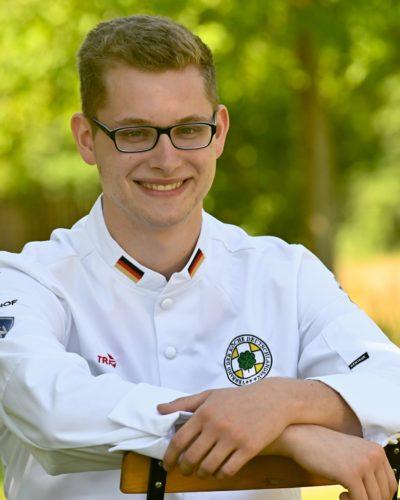 Als Kind wollte er eigentlich Broker an der Börse werden. Heute ist Aaron Wenzel Koch und Mitglied der deutschen Köche-Jugendnationalmannschaft.