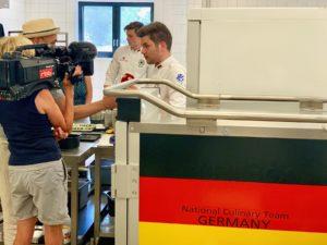 Unter Beobachtung: Diverse Medienvertreter begleiteten die Mannschaft im Trainingslager. Foto: Aina Keller