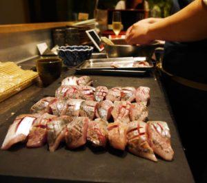 Der Küchenchef bereitet das Personalessen zu. Foto: Bruno Ebermann