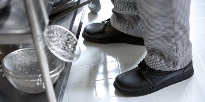 Der richtige Schuh für die Küche