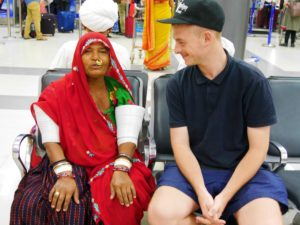 Traditionell: Bruno und eine Frau aus Rajasthan. Foto: Bruno Ebermann