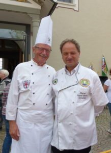 Der Vorsitzende des Landesverbandes Baden-Württemberg Konrad Hurter (l.) mit mit Pfarrer Rainer M. Schießler. Foto: Landesverband Baden-Württemberg