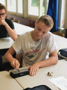 Professionell werden die Messer geschärft. Foto: Köcheclub Münsterland e.V.