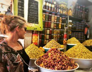 Oliven-Marktstand in Marokko. Foto: Privat