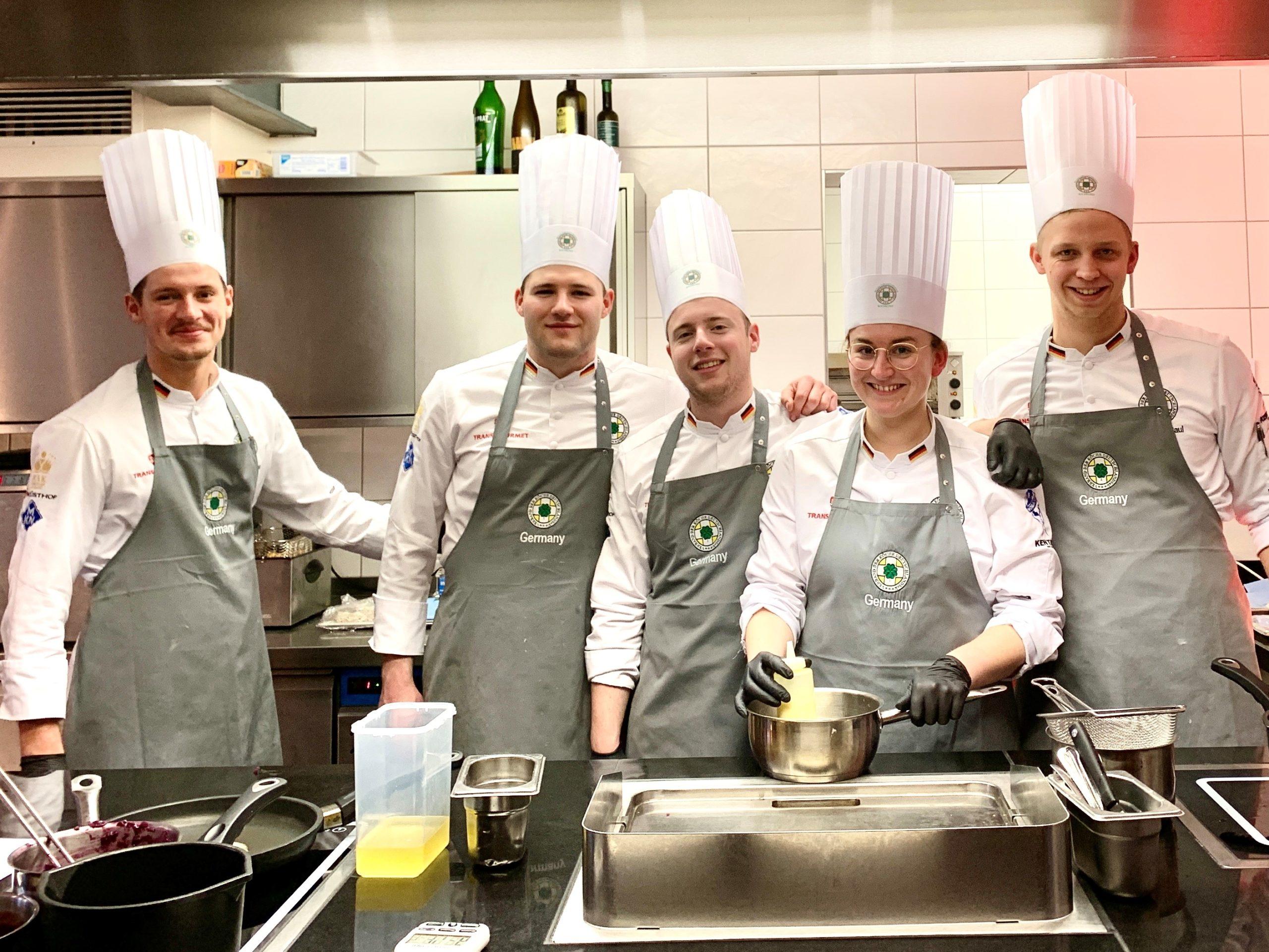 Das Junior-Team der deutsche Köche-Nationalmannschaften bereitet sich seit Monaten auf die IKA/Olympiade der Köche vor. Foto: VKD