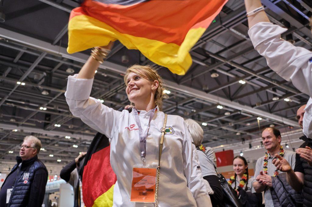 Die deutsche Fankurve feuerte die Teams während der IKA 2020 kräftig an. Foto: IKA/Culinary Olympics