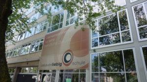 Die Schule trägt den Namen eines deutschen Chemikers und Universitätsprofessors. Foto: Justus-von-Liebig-Schule