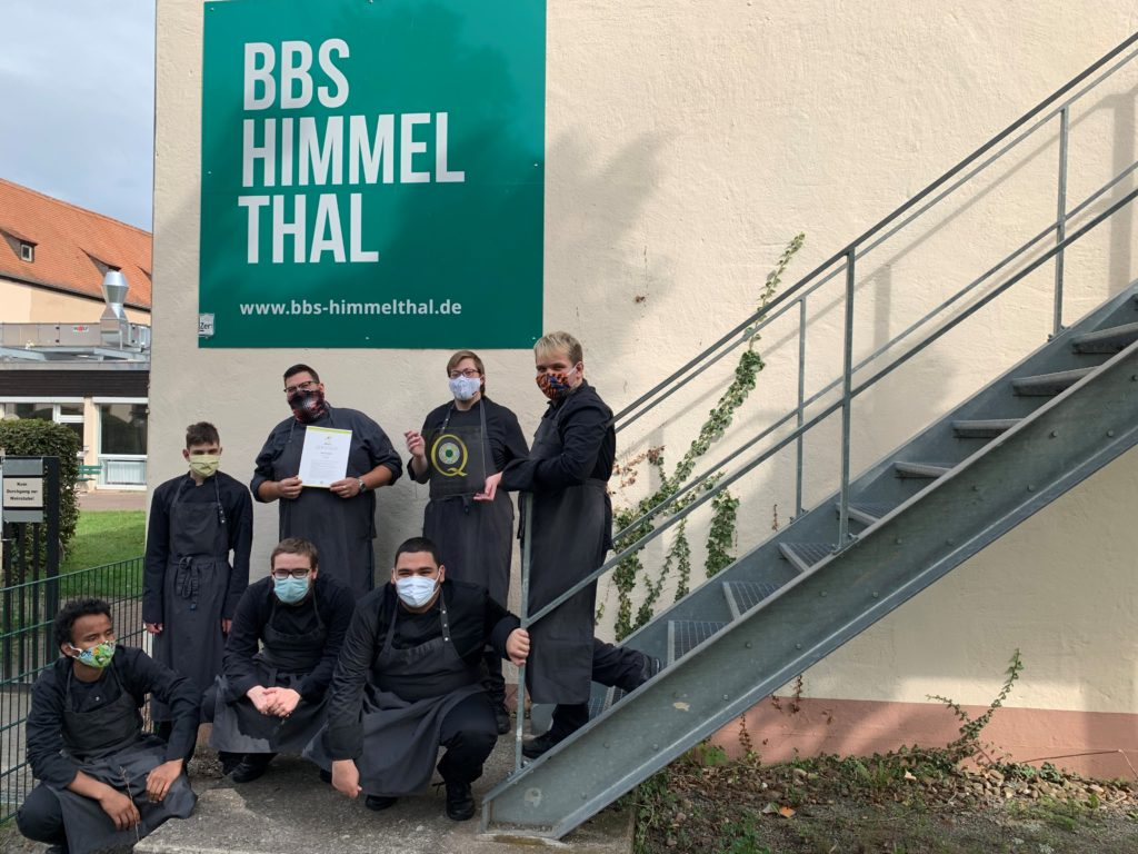 Ein Gruppenfoto inklusive Siegel gab es bei der BBS Himmelthal. Foto: BBS Himmelthal