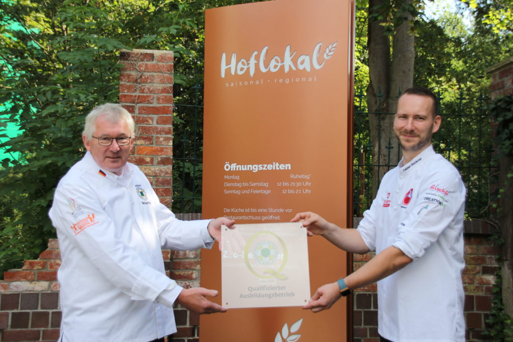 """Auch das Hoflokal in Hannover gehört nun zum Kreis """"Qualifizierter Ausbildungsbetriebe"""". Foto: Zoo Hannover Service GmbH Hoflokal"""