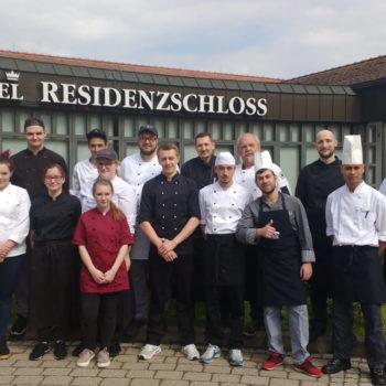 Highlight für Berufsschüler: Beim Köcheball helfen immer viele Azubis mit. Alle Fotos: Verein Bamberger Köche e. V.