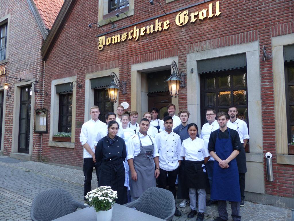 Zum Thema Fisch traf sich die KCM-Jugend bei Frank Groll m Hotel Restaurant Domschenke in Billerbeck. Fotos: Köcheclub Münsterland