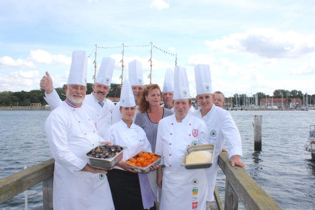 Zv Des Monats Lübeck Foto 02 Kochen Im Medienzelt Travemünder Woche