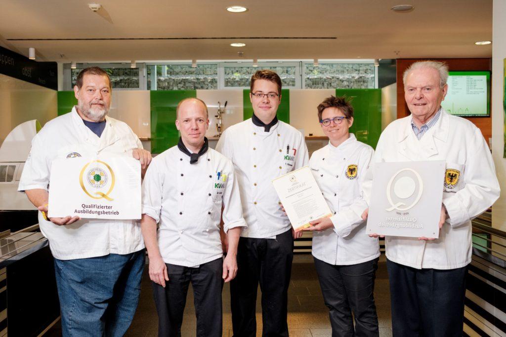Stolz auf gute Nachwuchsarbeit in der Region: Das Team der Kassenärztlichen Vereinigung Westfalen-Lippe wurde 2019 als Qualifizierter Ausbildungsbetrieb ausgezeichnet.