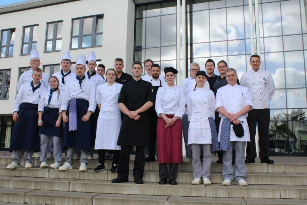 Aus- und Weiterbildung im Fokus. Der Köcheverein arbeitet mit der WIHOGA und dem Gisbert von Romberg Berufskolleg zusammen.