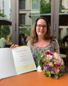 Auch Sara Kohlleppel wurde die Goldene Ehrennadel überreicht. Foto: Landesverband Hessen