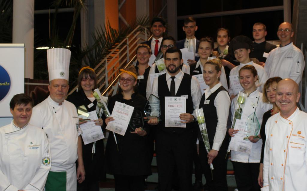 Der Pokal des Landrats ist für junge Kochtalente der Region ein Highlight im Vereinsjahr. Foto: Verein der Köche der Insel Rügen e. V.