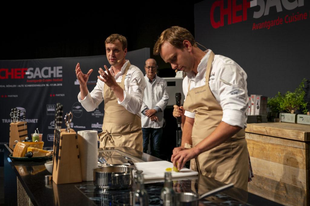 Live und in Farbe: Weltklasse-Chefs in Düsseldorf