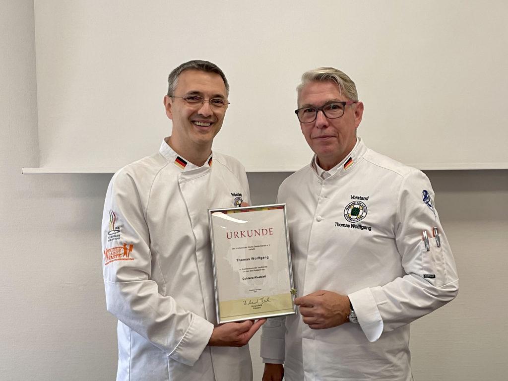 Der Landesverbandsvorsitzende Mitteldeutschland, Thomas Wolffgang, wurde mit dem Goldenen Kleeblatt ausgezeichnet. Foto: VKD