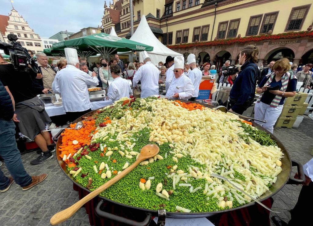 Viel mehr als Mischgemüse: 542 Kilogramm Zutaten wurden klassisch zubereitet Foto: RID