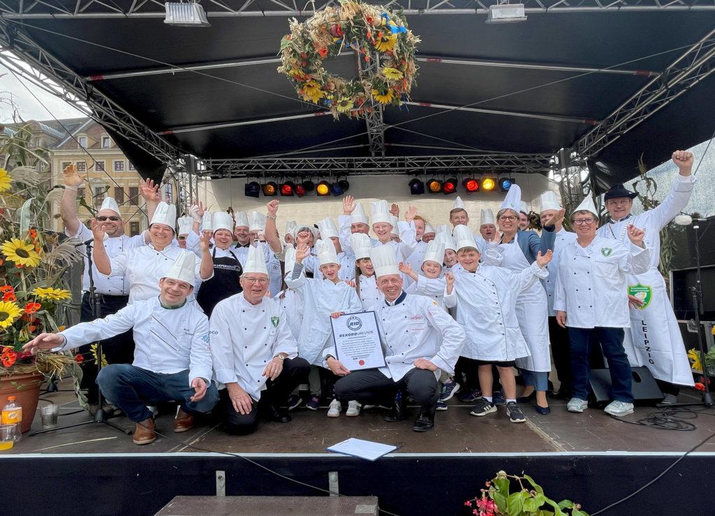 Starke Leistung der Leipziger Köchinnen und Köche zum Erntedankfest auf dem Leipziger Marktplatz Foto: RID
